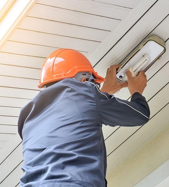 Installation de système d'éclairage extérieur