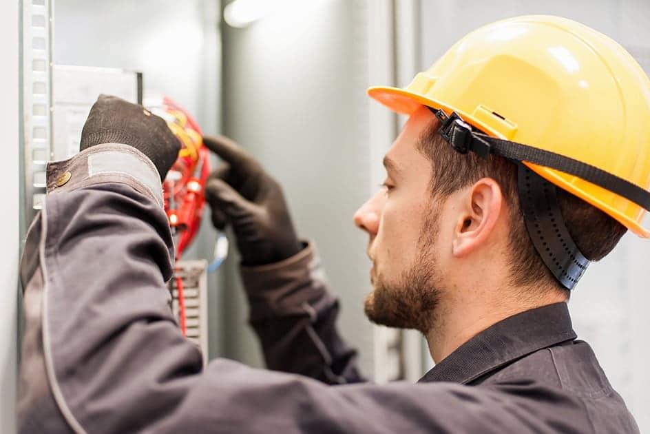 Installation de systèmes d'éclairage intérieurs
