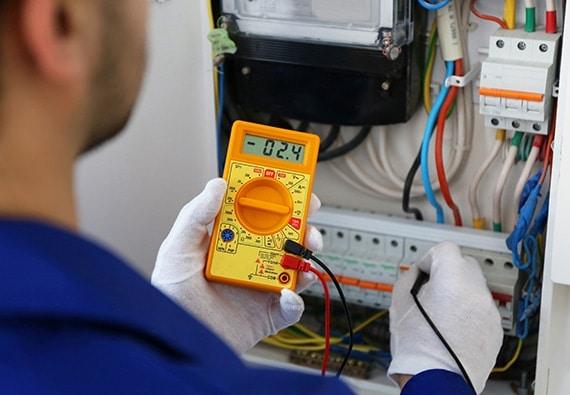 Travaux électriques dans le domaine commercial