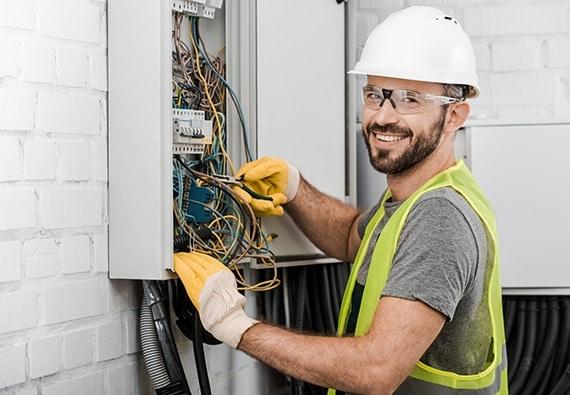 prestations de branchement électrique à Brossard