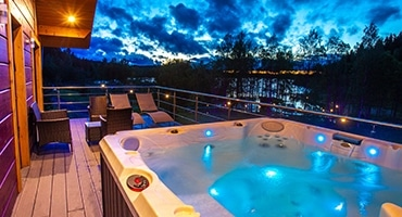 Spa, piscine et terrasse